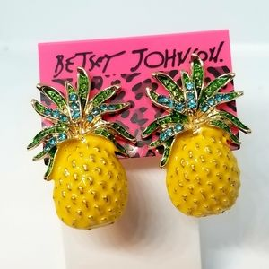 Betsey Johnson huge yellow pineapples studs🍍New